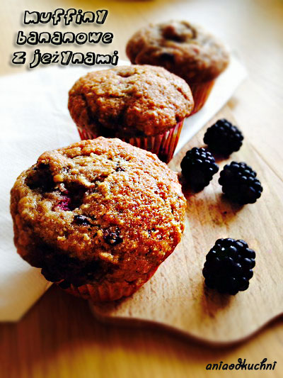 muffiny-bananowe-z-jezynami